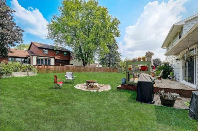 5726 Norfolk Dr, Fitchburg, WI by First Weber Real Estate $340,000