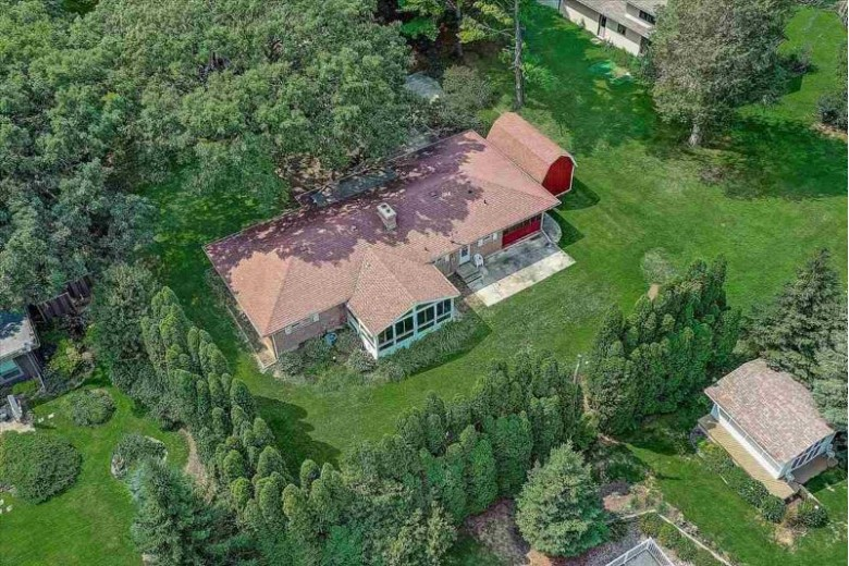 5516 Maria Way, Waunakee, WI by Re/Max Preferred $349,900