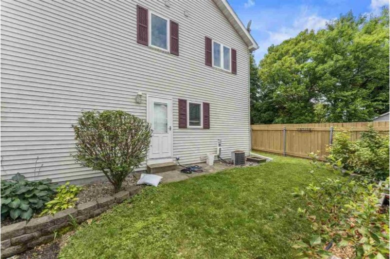 2850 Harvey St Madison, WI 53705 by Mhb Real Estate $359,000