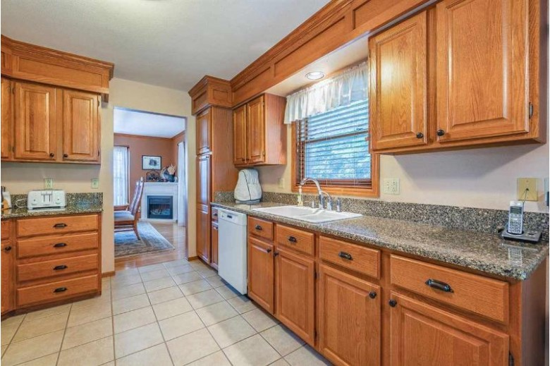 1427 Amber Ct, Reedsburg, WI by Re/Max Preferred $358,900