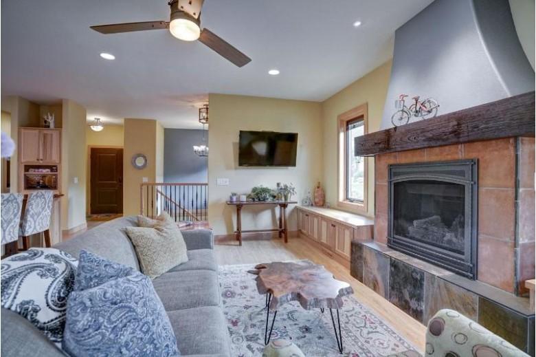 22 Oak Park Way Fitchburg, WI 53711 by Bunbury & Assoc, Realtors $429,000