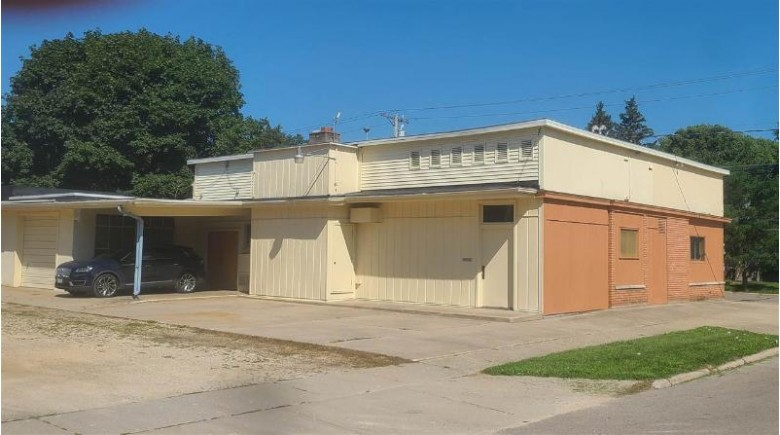 1218 Keeler Ave, Beloit, WI by Century 21 Affiliated $188,000