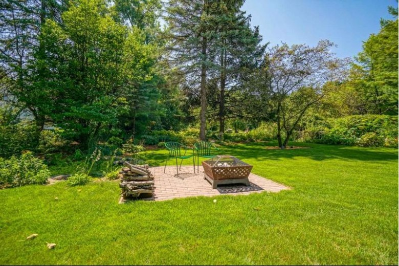 6219 Lakeview Blvd Middleton, WI 53562 by Realty Executives Cooper Spransy $329,000