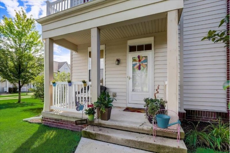 26 S Gardens Way Fitchburg, WI 53711 by First Weber Real Estate $299,900