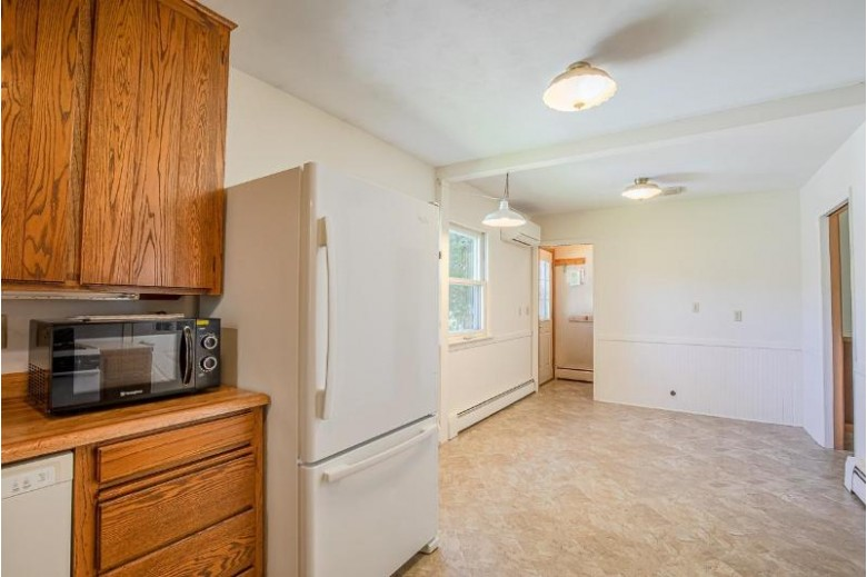 508 West Lawn Cir Verona, WI 53593 by Exit Professional Real Estate $285,000