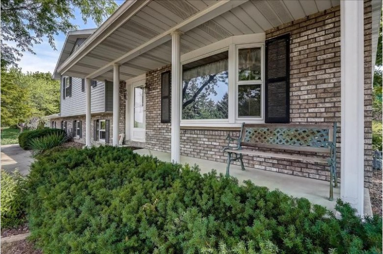 536 N Midway Ave Jefferson, WI 53549 by Re/Max Shine $299,900