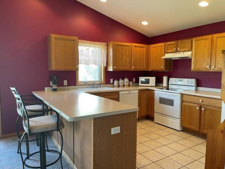 2047 Huntington Park Dr, Reedsburg, WI by Gavin Brothers Auctioneers Llc $264,900