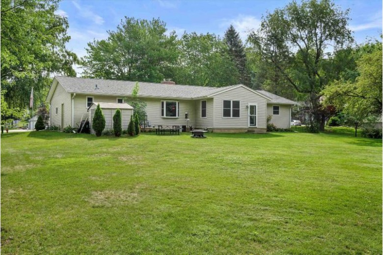 600 Hanks Hollow Tr, DeForest, WI by Big Block Midwest $339,000