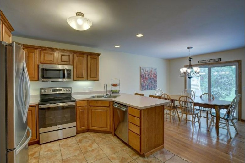 21 Waterford Cir Madison, WI 53719 by Realty Executives Capital City $299,900