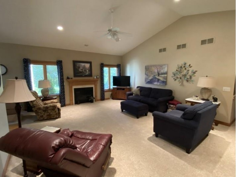 508 Skyview Dr Waunakee, WI 53597 by The Mcgrady Group, Llc $519,900