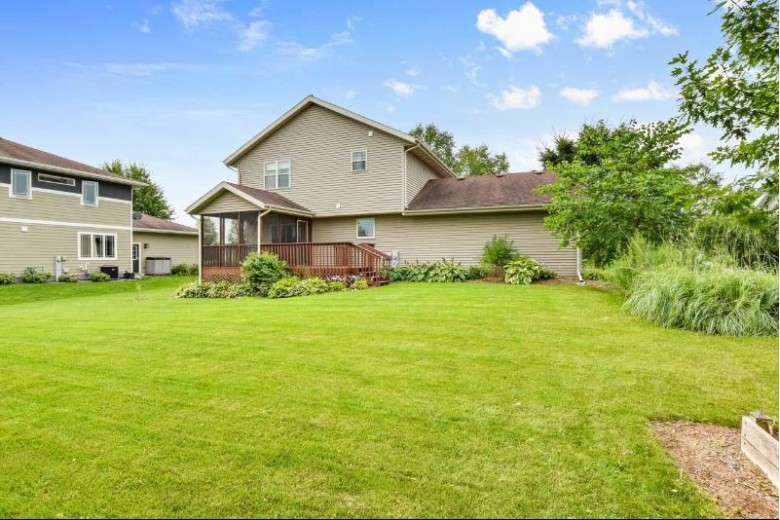 5204 Snapdragon Tr Fitchburg, WI 53711 by Lauer Realty Group, Inc. $422,750