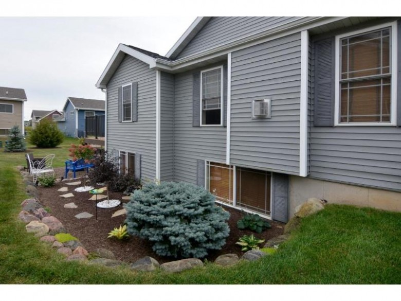 404 Juniper St Brooklyn, WI 53521 by Madcityhomes.com $257,500
