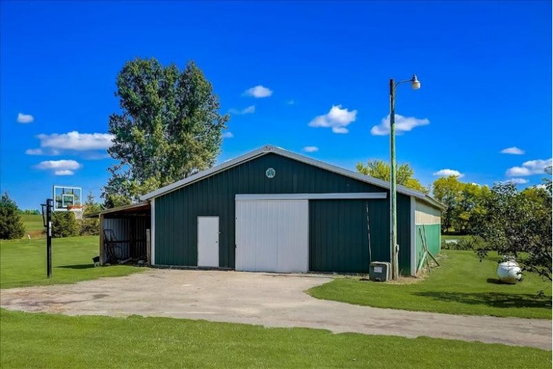 N3363 Oxbow Rd Columbus, WI 53925-9444 by Homestead Realty $1,200,000