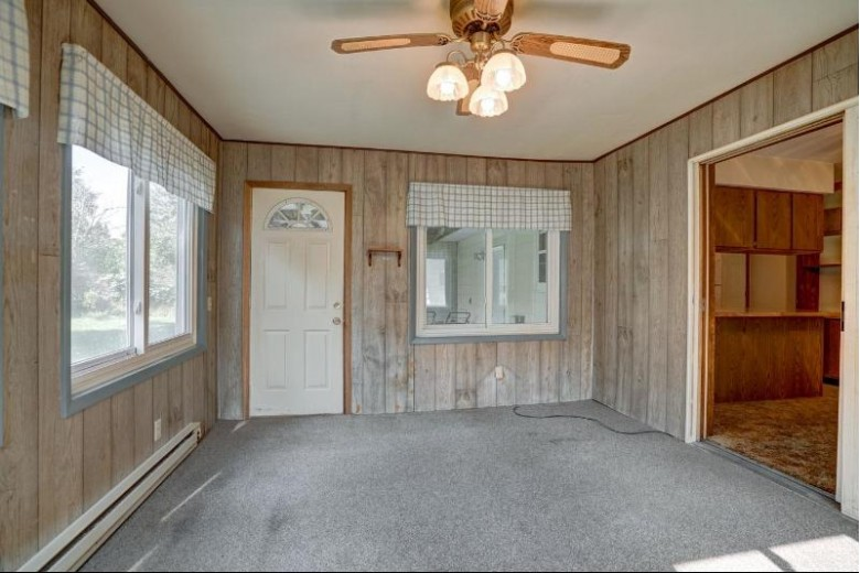 780 Clover Ln Oregon, WI 53575 by Rock Realty $289,900