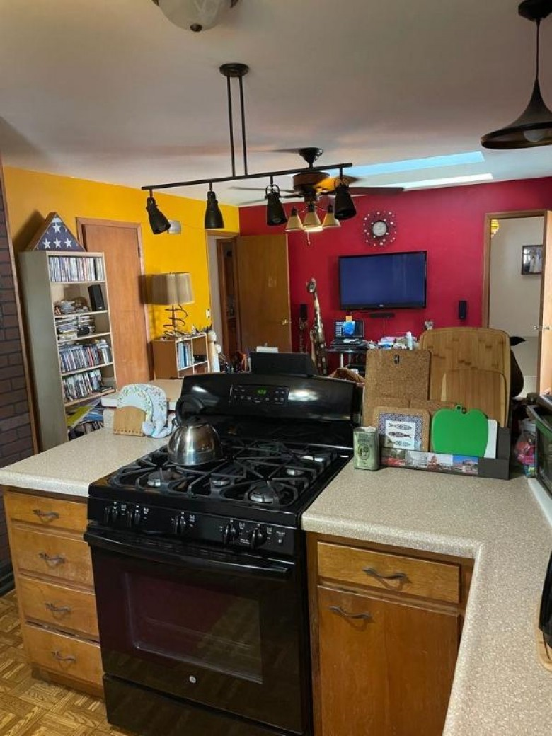 1814 Redwood Ln Madison, WI 53711 by Capella Realty Group, Llc $289,000