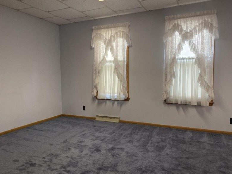 505 6th St Prairie Du Sac, WI 53578 by First Weber Real Estate $179,900