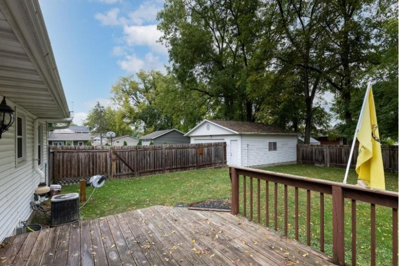 604 Hubbell St Marshall, WI 53559 by Rock Realty $211,900