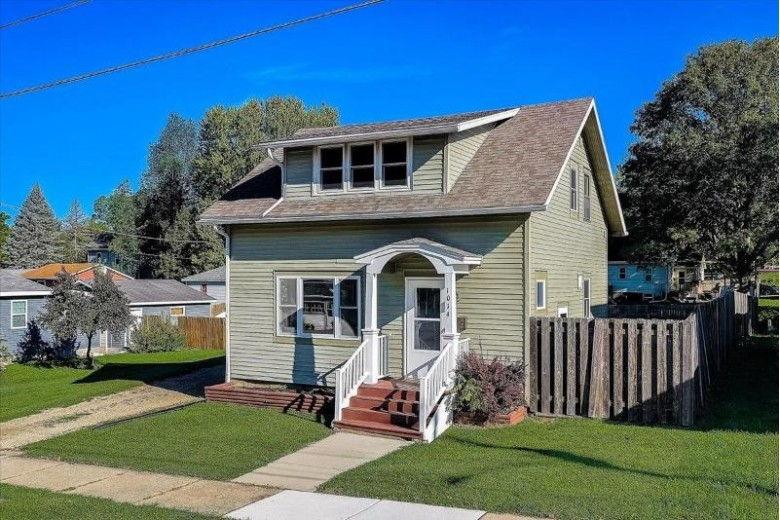 1014 Moline St Stoughton, WI 53589 by Keller Williams Realty $200,000