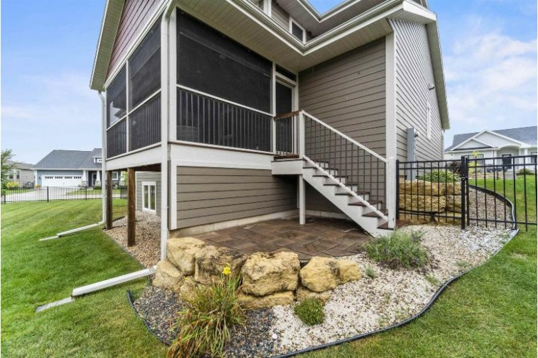 5037 St Annes Dr, Middleton, WI by Mhb Real Estate $675,000