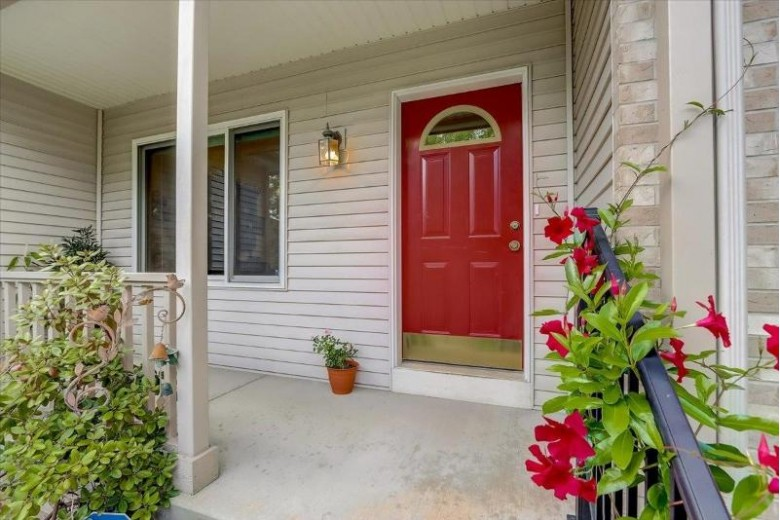 810 Stagecoach Tr Madison, WI 53717 by First Weber Real Estate $585,000