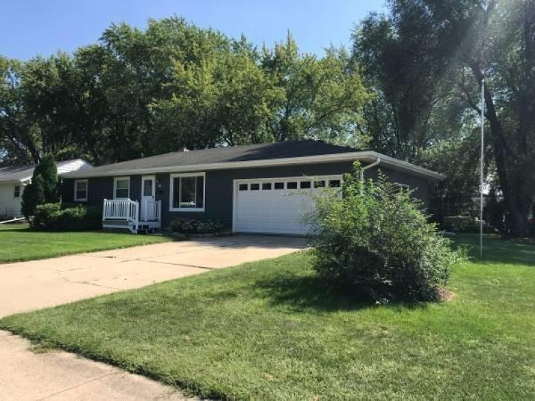 314 Prairie View Ct Oregon, WI 53575-1419 by Design Realty $275,000
