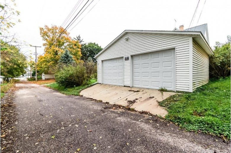 615 Prospect Ave Portage, WI 53901 by First Weber Real Estate $189,900
