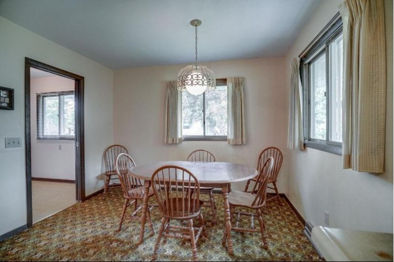 402 Mark Dr Verona, WI 53593 by First Weber Real Estate $339,900
