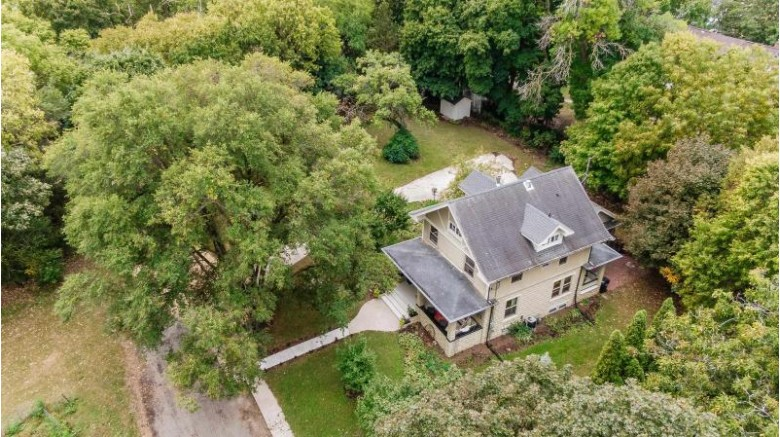 1300 Bushnell St, Beloit, WI by Shorewest, Realtors $310,000