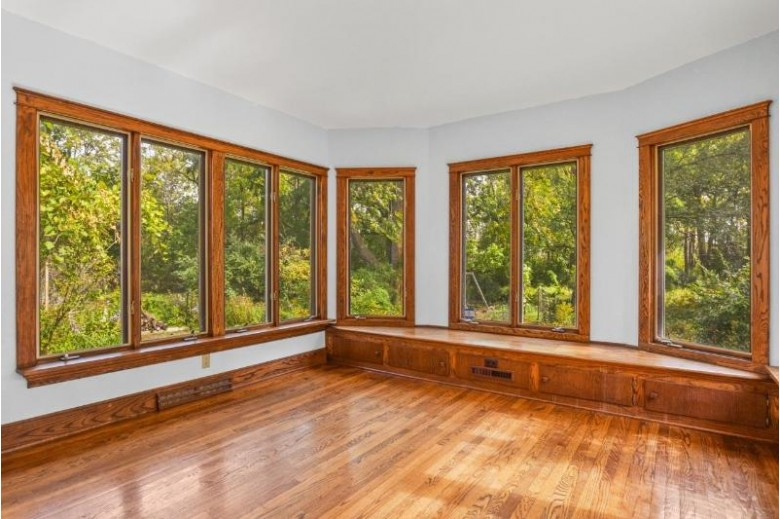 3601 Nakoma Rd Madison, WI 53711 by Lauer Realty Group, Inc. $425,000
