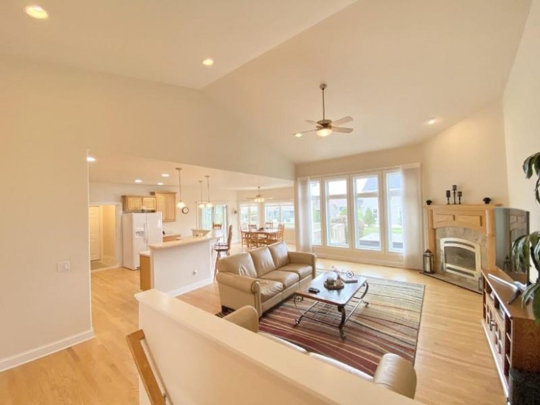 2120 Stonehaven Dr Sun Prairie, WI 53590 by First Weber Real Estate $549,900
