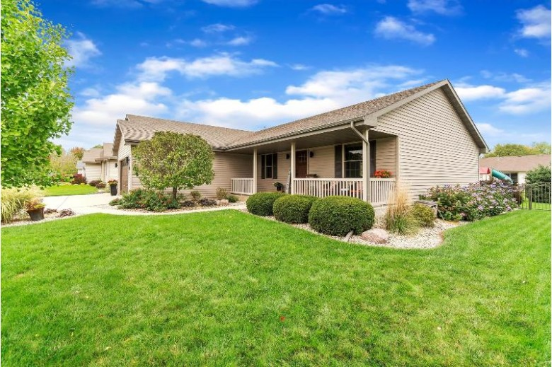 4047 Greenbriar Dr, Janesville, WI by Keller Williams Realty Signature $295,000