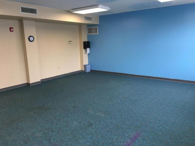 613 N 5th Street SUITE 201, Wausau, WI by Holster Management $0