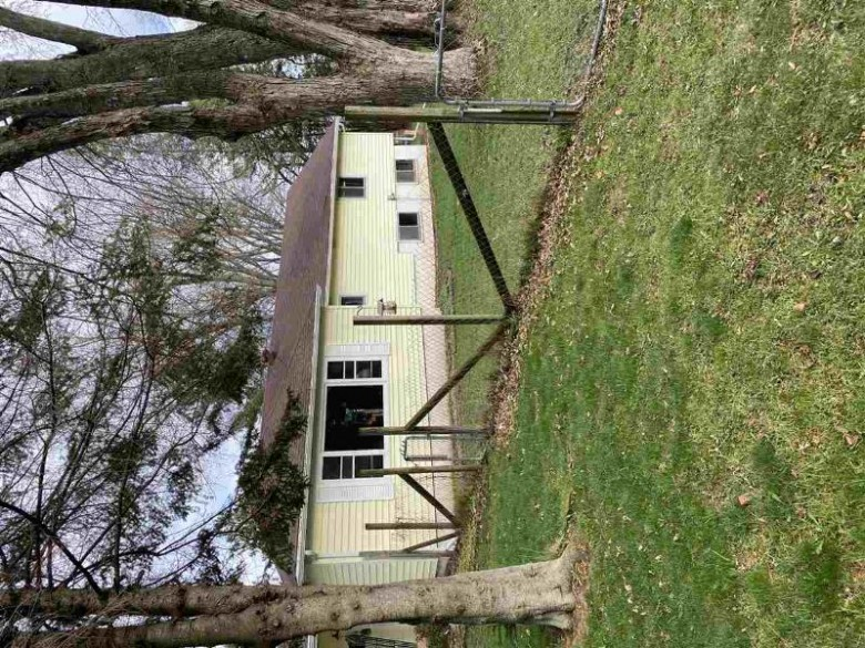241 Center Street Rosholt, WI 54473-9775 by Smart Move Realty $129,000