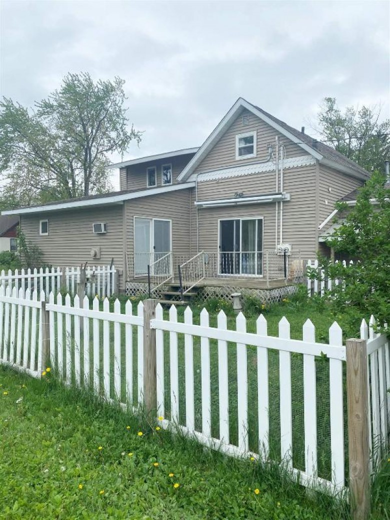851 10th Avenue North Wisconsin Rapids, WI 54495 by Coldwell Banker- Siewert Realtors $75,000