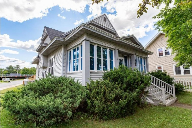 1001 Grand Avenue Wausau, WI 54403 by Exit Midstate Realty $159,900