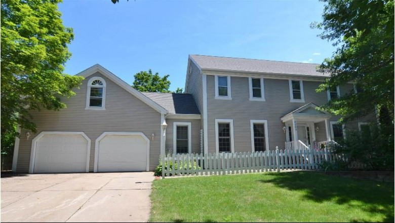 4003 Briarwood Avenue Wausau, WI 54401 by Hocking Real Estate Services $425,000
