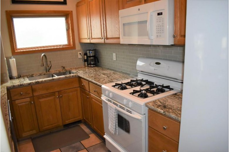 2109 Illinois Avenue Stevens Point, WI 54481 by Re/Max Central $194,900