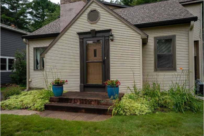3844 Riverview Drive Wausau, WI 54403 by First Weber Real Estate $350,000