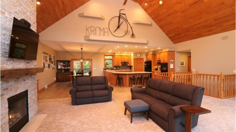 145142 Hillcrest Drive Wausau, WI 54401 by Re/Max Excel $649,900