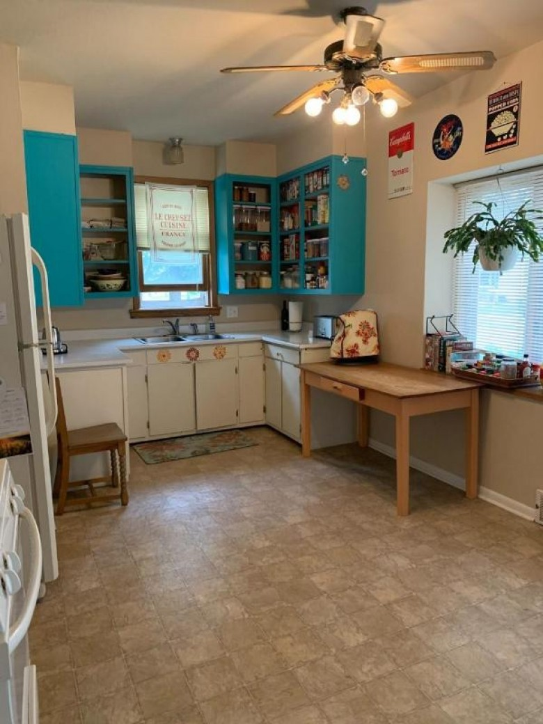 1402 N 13th Avenue Wausau, WI 54401 by First Weber Real Estate $130,000