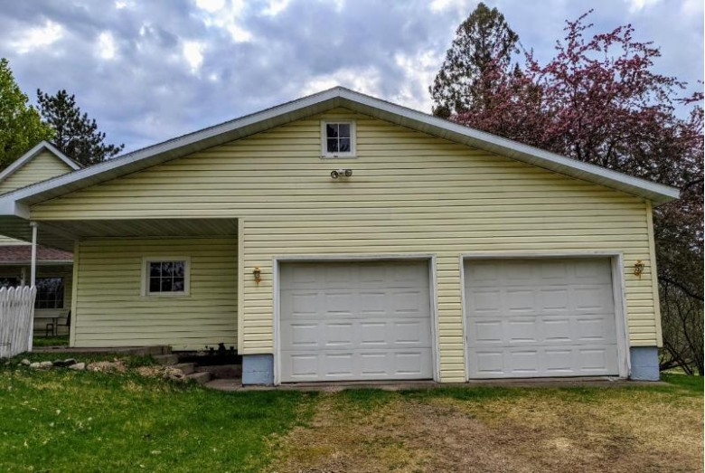 W8203 Lakeshore Dr, Lake, WI by Re/Max New Horizons Realty Llc $154,900