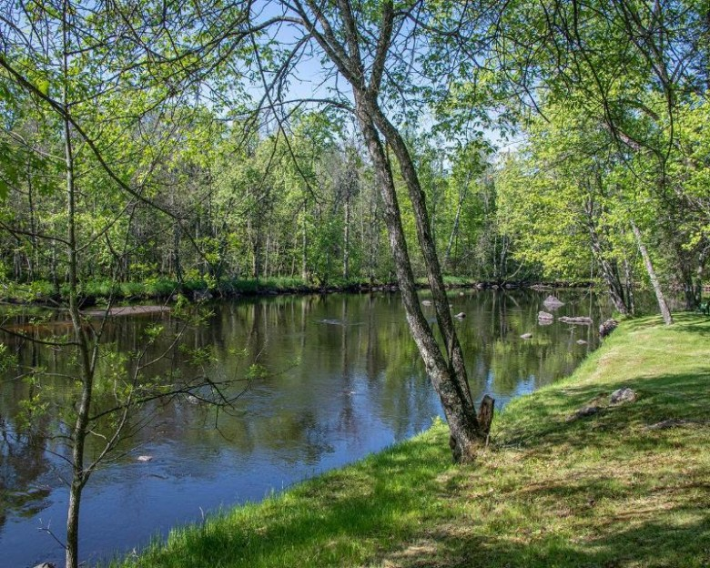 4671 River Bend Rd Pelican, WI 54501 by First Weber Real Estate $449,500