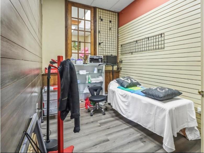 611 Oneida St 2 Minocqua, WI 54548 by Re/Max Property Pros-Minocqua $250,000