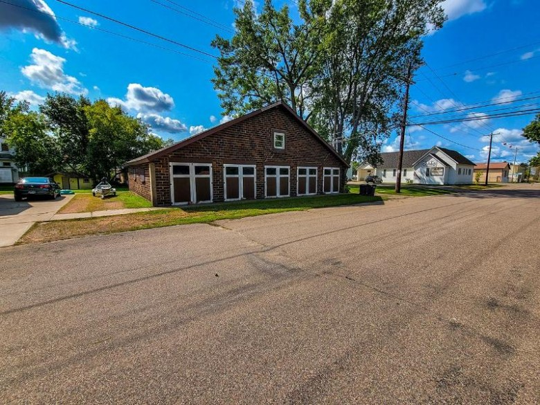 127 2nd St N Tomahawk, WI 54487 by Northwoods Community Realty, Llc $179,900