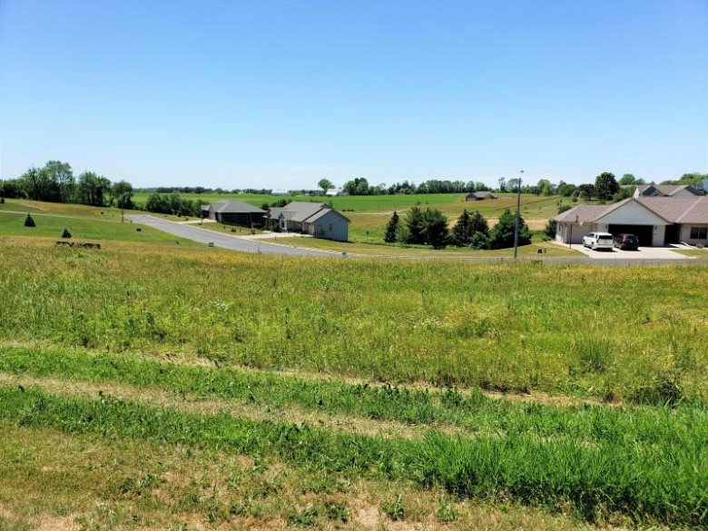 LOT 28 16th Fairway Dr, Viroqua, WI by United Country - Oakwood Realty $43,200