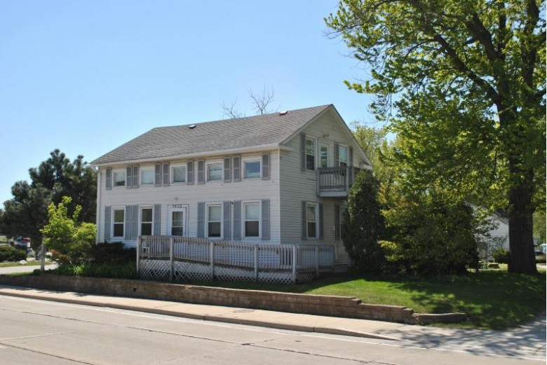 7625 W Mequon Rd, Mequon, WI by Coldwell Banker Realty $319,000