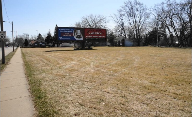 3828 30th Ave, Kenosha, WI by Coldwell Banker Real Estate One $29,000