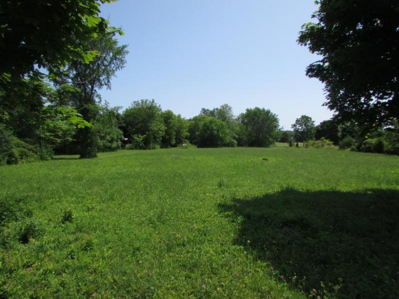 LT1 Middle Rd, Racine, WI by Re/Max Realty 100 $75,000