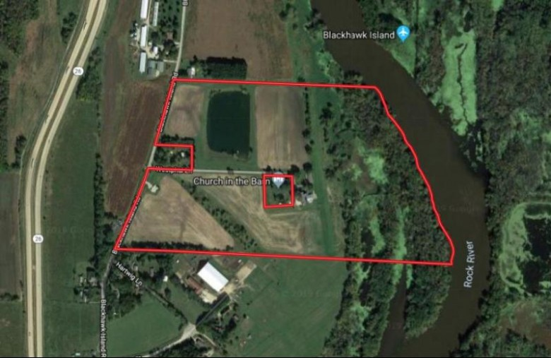 W6783 Westphal Ln, Fort Atkinson, WI by United Country Midwest Lifestyle Properties $650,000