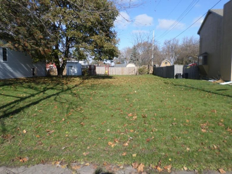 5316 65th St, Kenosha, WI by Bear Realty , Inc. Ken $32,900